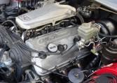 このエンジンはアルファロメオの中でも名機と言われるSOHC V6となります。気持ち良く吹き抜け軽やかに回り続ける。現代のエンジンでは味わう事ができない官能的とも言えるレスポンスが魅力です。