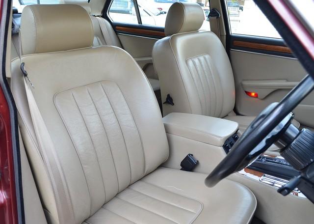 オリジナルの状態で残す事がこの車への敬意でした。今後も後世に残すクルマとしてこのシートに座る方々には引き継がれていく事を望んでおります。