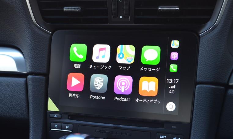 2017年モデルから対応となったApple Car Play を装備しております。